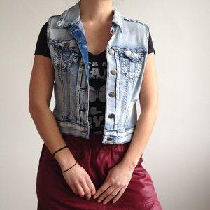 Puzzle Jeans - Sleeveless Acid Wash Denim Jacket
